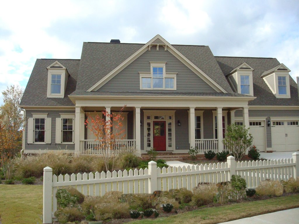 grey home with red door - Exterior House Colors Grey