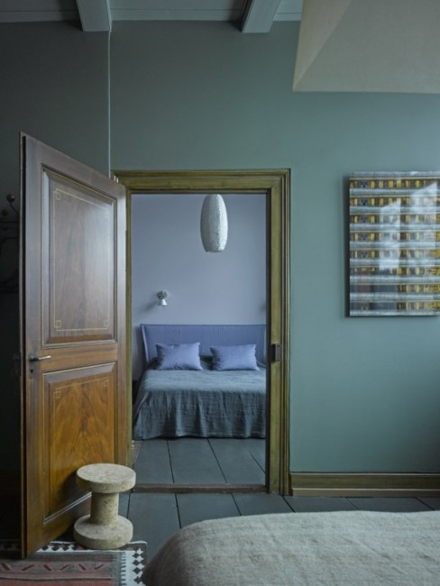 soothing cool colored bedroom