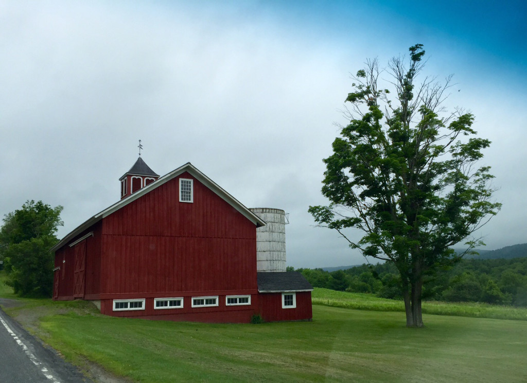 Barn Red A Survey Of Red Barns Amykranecolor Com