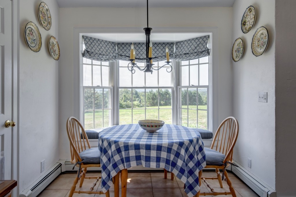 color makeover Warm white breakfast nook