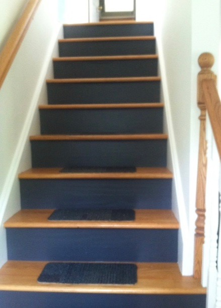 Paint sheen for a staircase
