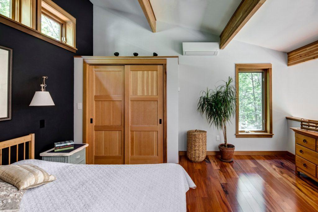 Loft bedroom color